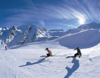 enjoy-winter-sports-in-italy